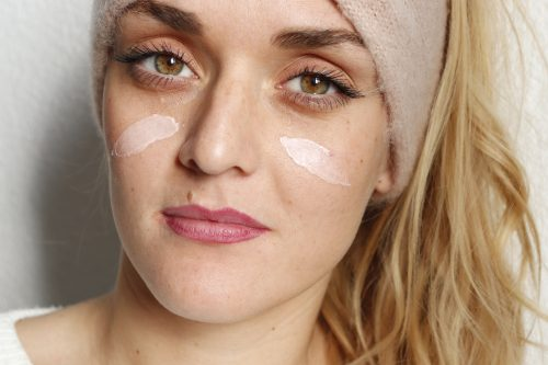 Pourquoi vos 1ères rides vont rendre votre peau plus belle